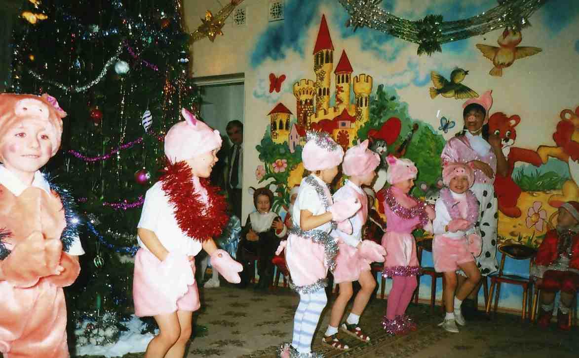 Веселые сценки для взрослых для нового года
