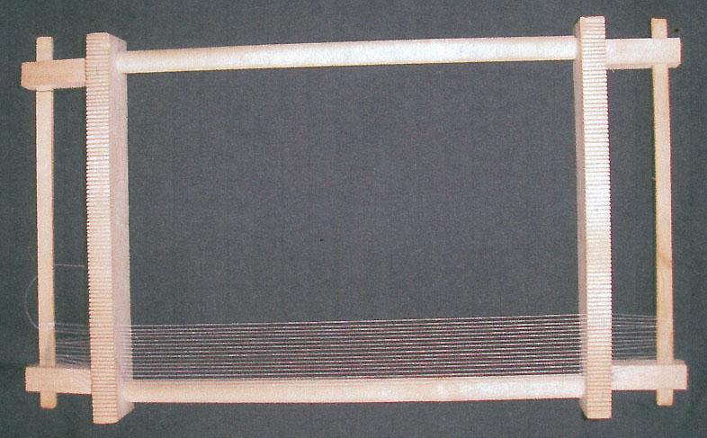 Для ткачества с бисером необходим станок, который состоит из деревянной...